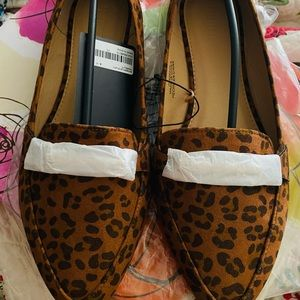 NWT Cute Leopard Loafers! Perfect to dress up/down